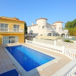 Four-Bedroom Villa Empuriabrava Girona 2