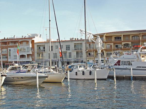 Apartaments del Port I Empuriabrava