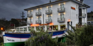 In El Mas Borinot, a 5 minute drive from the center of Blanes, Hostal Bonavista offers bright, air-conditioned rooms with balconies. It features a restaurant and a cafe-bar.