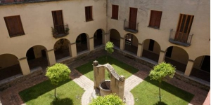 Casa Convent Peralada is a historic building located on the medieval town of Peralada, just 170 metres from the castle. Surrounded by gardens, this restored cloister features large terraces and a central courtyard.