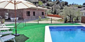 Located in Lloret de Mar, Astral offers an outdoor pool. This self-catering accommodation features WiFi.