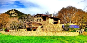 Featuring an extensive garden and impressive views, air-conditioned El Llober is set in Garrotxa Nature Reserve, in Girona. This restored Catalan country house offers free Wi-Fi and homemade breakfasts.
