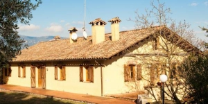 Featuring a spacious garden with stables, terrace and barbecue facilities, Can Baió is located 1.5km outside Serinyà and is surrounded by meadows and forests.