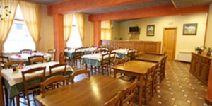 Set by Ter River and Vallter 2000 Ski station, in the Pyrenees, Can Falera is located in Setcasas. Offering a traditional restaurant serving Catalan cuisine, the charming guest house has impressive views.