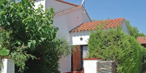 Holiday Home Mas Matas C2  Roses is a 2 storey,  terraced house. It is located in the district of Mas Matas, 2 km from the centre of Roses, in a quiet, sunny position.