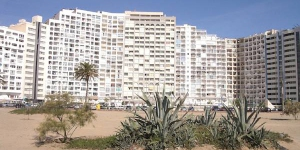 Apartment Karina 18J Empuriabrava is 1-room apartment 28 m2 on 18th floor with lift. It is located in the district of Muga, in the centre of Empuriabrava, 100 m from the sea, directly by the beach.