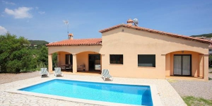 Holiday home Mas Pere Calonge is a 4-room house of 102 m2. The house was built in 2004 and 2 km from Calonge.