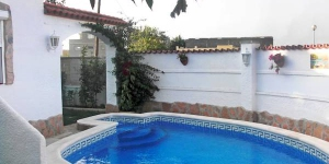 The holiday home is situated in Puigmal, 3 km from Centro de la localidad, 3.2 km from the sea.