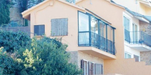 Holiday home Paseo Carme Amaya is located in Begur. There is a full a kitchenette with a microwave and a refrigerator.