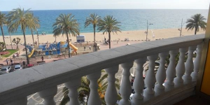 Stay in the Heart of Lloret de Mar  Featuring a beachfront location, Apartaments Nàutic Inmoexpress offers self-catering apartments located in Lloret de Mar. Some apartments include sea views, while others offer a private terrace.