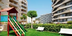 Set in L'Estartit, this bright apartment is just 100 metres from the beach. Rocamaura features a furnished terrace with sea views and has access to a shared outdoor pool.