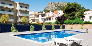 Featuring a shared outdoor swimming pool, Espigo is located in L'Estartit. This property offers an apartment for up to 6 people with a private terrace and outdoor furniture.