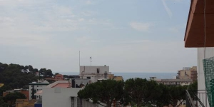 Serrador is a self-catering accommodation located in Lloret de Mar. The property is 3.