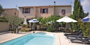 Located in Althen-des-Paluds, Apartment Allée de la Marmotte O-849 offers an outdoor pool. There is a full a kitchenette with a dishwasher and a microwave.