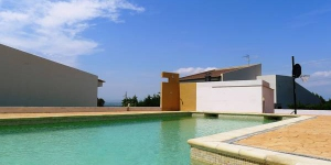 Located in Palau-Saverdera, Villa Palau-saverdera offers an outdoor pool. Accommodation will provide you with air conditioning.
