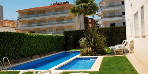 Enjoy a peaceful break on the beautiful coastline of Catalonia with a stay at this apartment complex in Estartit. The apartments Brises del Mar are ideal for families.