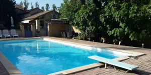Offering an outdoor pool, HomeRez - Holiday home Route de la Roque is located in Althen-des-Paluds. This holiday home is 66 km from Marseille Provence Airport.