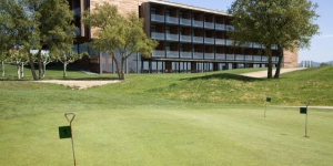 A seasonal outdoor pool and a spa feature at Double Tree By Hilton Hotel Empordà &Spa, set on a golf course 3 km from L'Estartit Beach. Its stylish rooms have balconies and free internet access.