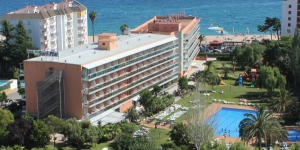 Surf Mar Hotel is on Fenals Beach, a quiet area half a mile from lively Lloret. This modern hotel has an outdoor pool with a hot tub, tennis courts and mini golf.