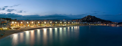 Blanes Beach, by night