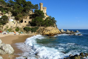 Tower defense against piracy in Lloret de Mar