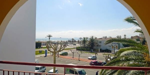 Apartment Residenca Bahia II is located on two levels on the 1th floor and offers panoramic views of the sea. The apartment features a private balcony, a washing machine and a large living/dining room with two beds.