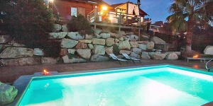 Holiday home Urb Río de Oro Calonge is a 6-room 2 storeys chalet 3km from Calonge. The accommodation has a private swimming pool and a mountain view.
