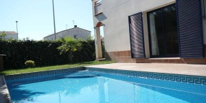 Holiday home Espigol is located in L'Escala. The accommodation will provide you with a balcony.